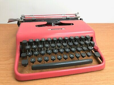 Rare Pink Olivetti Lettera 22 Typewriter 1950s Made in Glasgow not Lettera 32