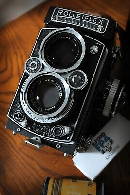 Rolleiflex 3.5 E TLR camera with Carl Zeiss Planar lens