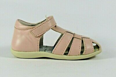 Petasil Target light pink leather closed heel and toe sandal EU23/UK6