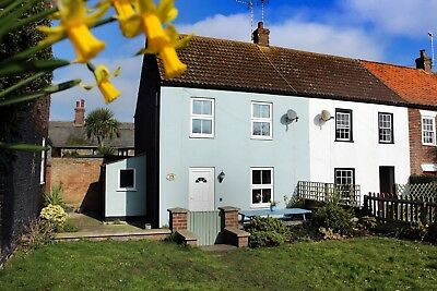 A WEEK'S STAY from 28th September at our Norfolk Dog friendly holiday cottage