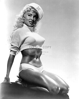 Lilly Christine Burlesque Dancer - 8X10 Publicity Photo (Ww266)