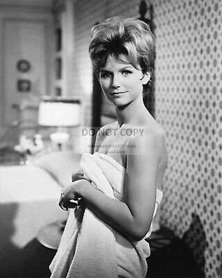 Actress Lee Remick Pin Up - 8X10 Publicity Photo (Ww316)