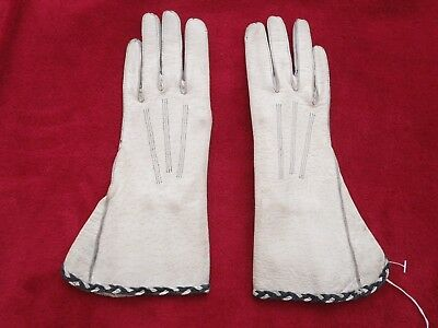 Genuine  Leather Small Vintage Beige Gloves Size 6.