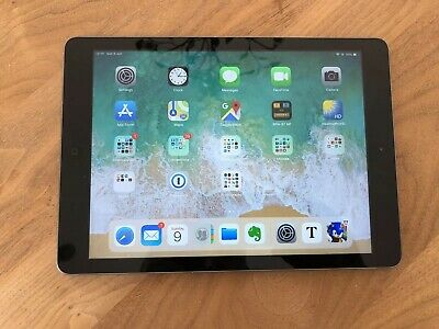 Apple iPad Air 1st Gen. 128GB, Wi-Fi, 9.7in - Space Grey