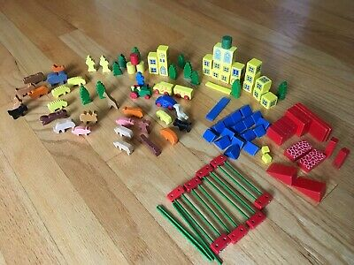 Vintage Erzebirge Juri Wood Toy Zoo hand made in West Germany/Antique Box