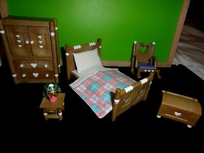 Calico Critters Bedroom Vanity Set Dolls Toys Games