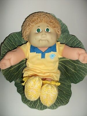 Coleco Cabbage Patch Girl Doll 1985 Fawn Hair, Green Eyes, Two Dimples.