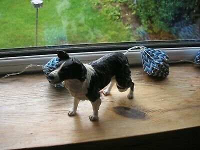 1 Standing Border Collie Figurine