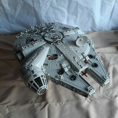 STAR WARS 2004 MILLENNIUM FALCON in Box OTC (ORIGINAL TRILOGY COLLECTION)