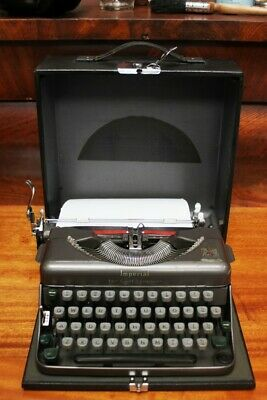 Vintage Imperial 'Good Companion - Portable 3' Typewriter - FREE Shipping [5325]