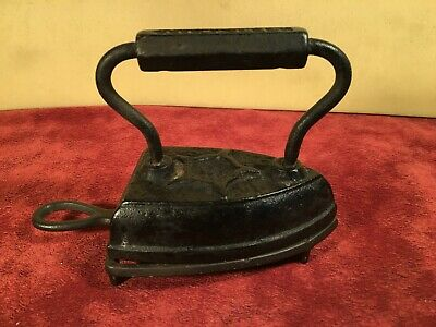 Antique GENEVA  ILL. CAST IRON SAD FLAT  IRON MARKED STAR 5 & With  TRIVET