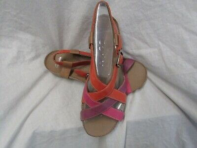 Ladies Top Brand Leather Sandal  Size 5 D