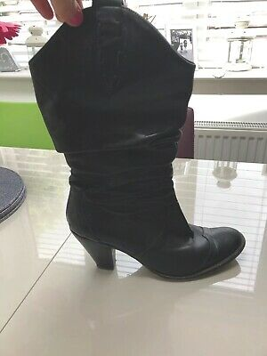 Ladies cowboy boots size 8