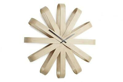 UMBRA Ribbonwood clock. Horloge murale silencieuse Ribbonwood. 51.4cm, Nature