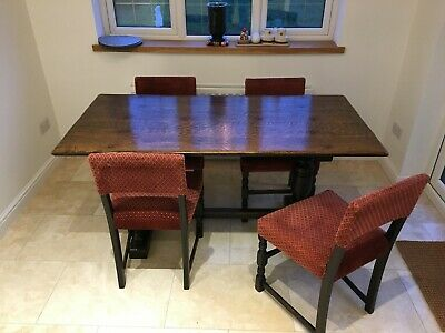 Jacobean Esqe Dining Room Table / 2 x carvers / 4 chairs approx 90 years old