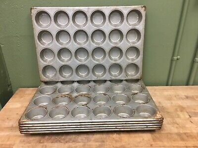 Cupcake/Muffin Pan - 24 Moulds - 6 Pans - Matches Chicago Metalic 45525