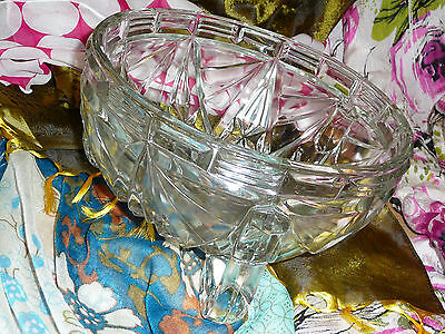 Large Vintage Beautiful Clear Glass Decorative Bowl with Three Legs VGC