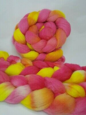 Hand dyed Jacob roving, wool top, 100 g, HOT HIBISCUS