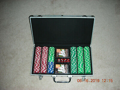 Set of 300 Clay Poker Chips with Case
