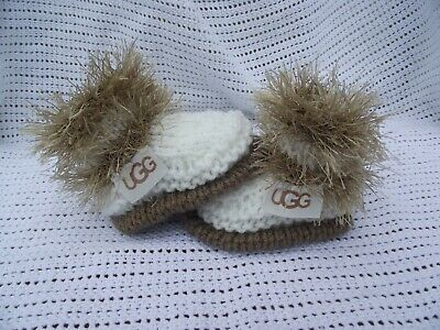 hand knitted baby beige and cream shoes  booties. 0/3m or  nb