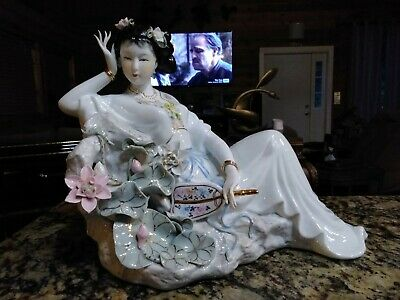 Large Vintage Chinese Porcelain Woman With Fan