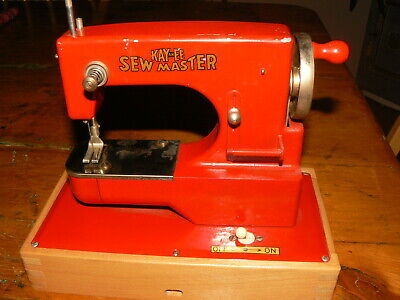 KayanEE Sew Master Sewing Machine Made in US Zone Berlin Germany w clamp (JB)