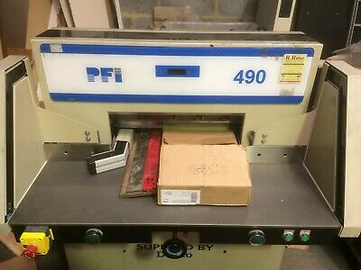 Duplo 490 Guillotine with light guard