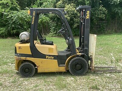 2010 Yale 5000 forklift Solid Pneumatic tires  3 Stage LP GLP050 Sideshifter