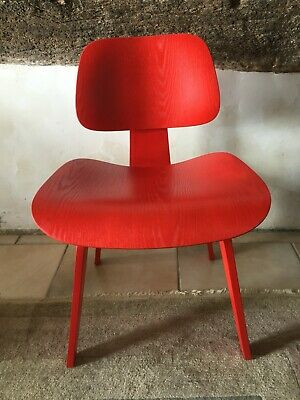 Charles & Ray Eames chaise LCW lounge chair wood frêne rouge Vitra Design XXème