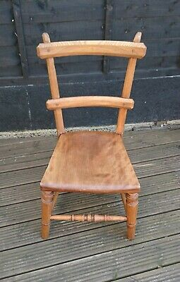 Lovely Arts and Crafts Small Rustic Wooden Chair in Very Good Condition