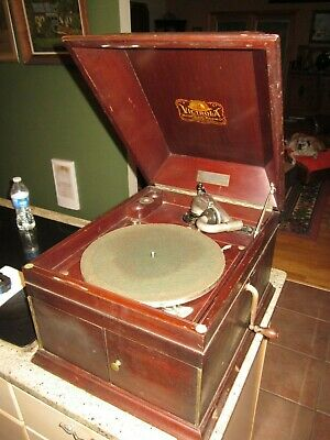 Victor victrola VV XI with Exhibition reproducer table top mahogany