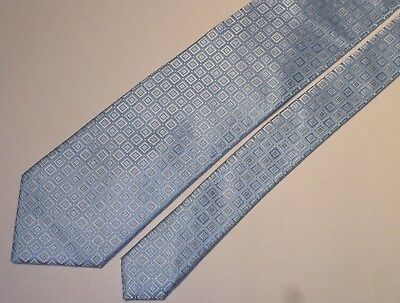 Chester & Peck Made In Italy Gorgeous Shinny Light Blue Woven Silk Tie. A454-2