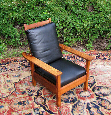 An Antique circa Early 1900s L&JG Stickley Morris Chair w5357