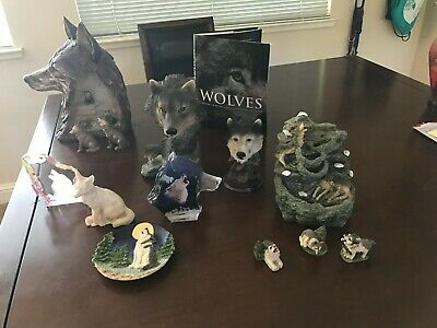 Wolf / Wolves Figurine - Gray Wolf Pack, The Encounter