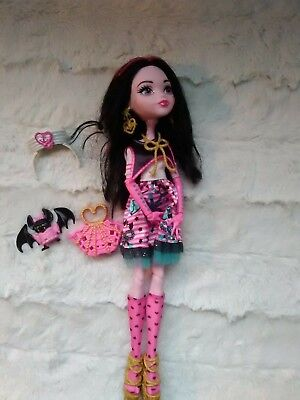 Monster High doll Draculaura  in shriek wrecked