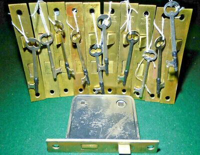 ONE YALE JUNIOR #808 PASSAGE MORTISE LOCK w/KEY - FULLY RESTORED (12284)
