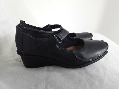 bfe42e30 LADIES BLACK LEATHER Upper Wedge Shoes Size 6 By Clarks Active Air