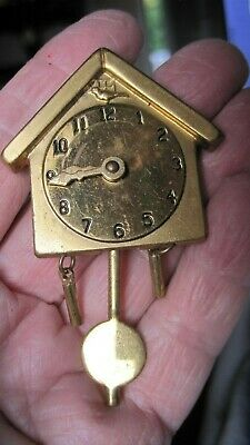 Vintage Gold Tone Coo Coo Clock Moving Hands+Swinging Pendulum+Weight Brooch/Pin
