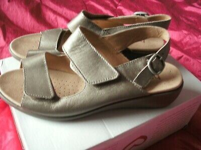 a059a390ef73f HOTTER PINK LEATHER Strappy T Bar Flat Sandals Uk 6 Hook & Loop Worn ...