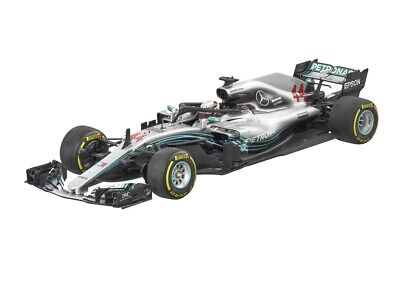 Genuine Mercedes-Benz Lewis Hamilton AMG Petronas 1:18 Model B66960561 NEW