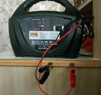 Halfords Advanced Fully Automatic Battery Charger For Car Caravan