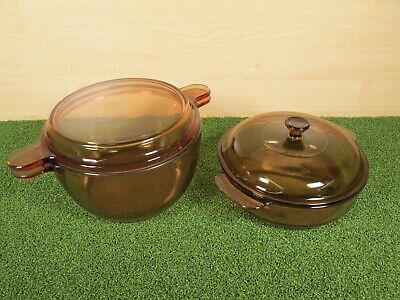 2x VISION CORNING FRANCE AMBER GLASS CASSEROLE DISHES WITH LIDS