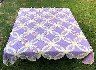 Vintage Handmade Double Wedding Ring Lavender Background Cutter Quilt 85 x 82
