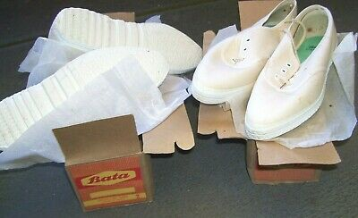 2 Old Collectors Boxes Of Bata Shoes Made In India Size 2