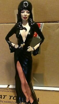 1/4 scale vinyl model of Elvira Mistress of the night