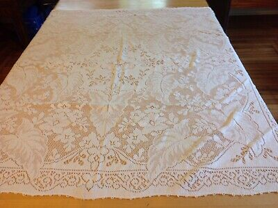 """Vintage Quaker Lace Tablecloth, Flowers and Huge Leaves, Unusual design, 50"""" Sq."""