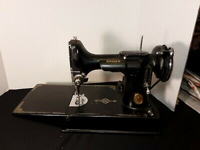 Vintage Singer Featherweight 3-110 Portable Sewing Machine with Foot Pedal Works