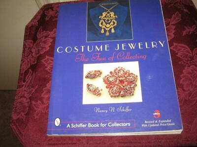 Nancy Schiffer   Costume Jewelry  The Fun Of Collecting Paperback 2001 Edition 3