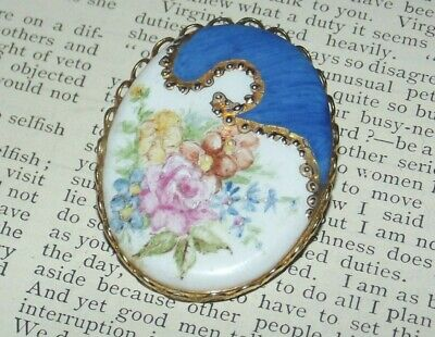 Beautiful Old VINTAGE WHITE PORCELAIN GOLD PAINTED ROSE BROOCH Pin (J328)