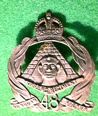 AUSTRALIA -Rare cap badge : Regiment de TORRENS.